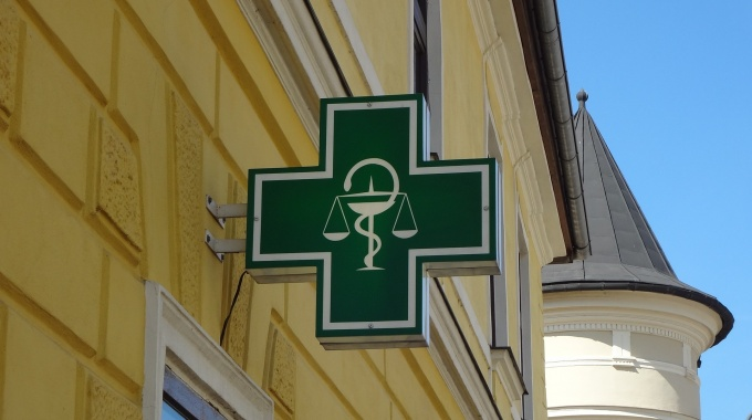 Čo by vám mal o vašich liekoch povedať váš lekár a lekárnik?