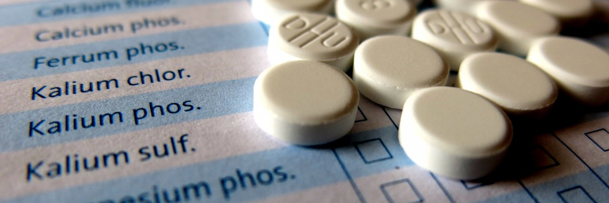 Ako sú označené lieky, pri ktorých treba hlásiť akékoľvek podozrenie na nežiaduci účinok?