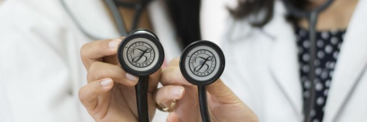 Ktorí lekári predpisujú najviac liekov v interakcii?
