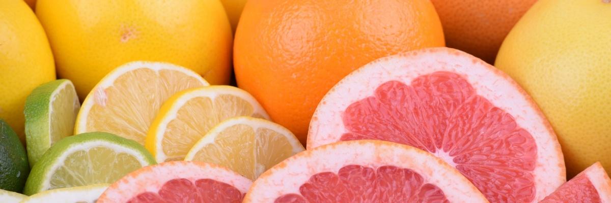 Vitamín C pôsobí preventívne na nádchu a prechladnutie.