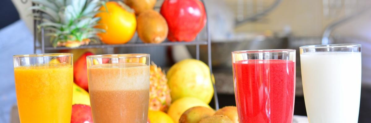 Ktoré ovocie alebo jeho šťava môže v kombinácii s viacerými bežne užívanými liekmi spôsobiť vážnejšie vedľajšie účinky?