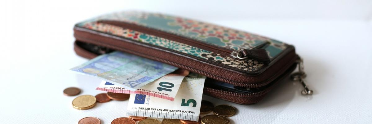 Prislúcha účastníkovi klinického skúšania aj finančná odmena za účasť?