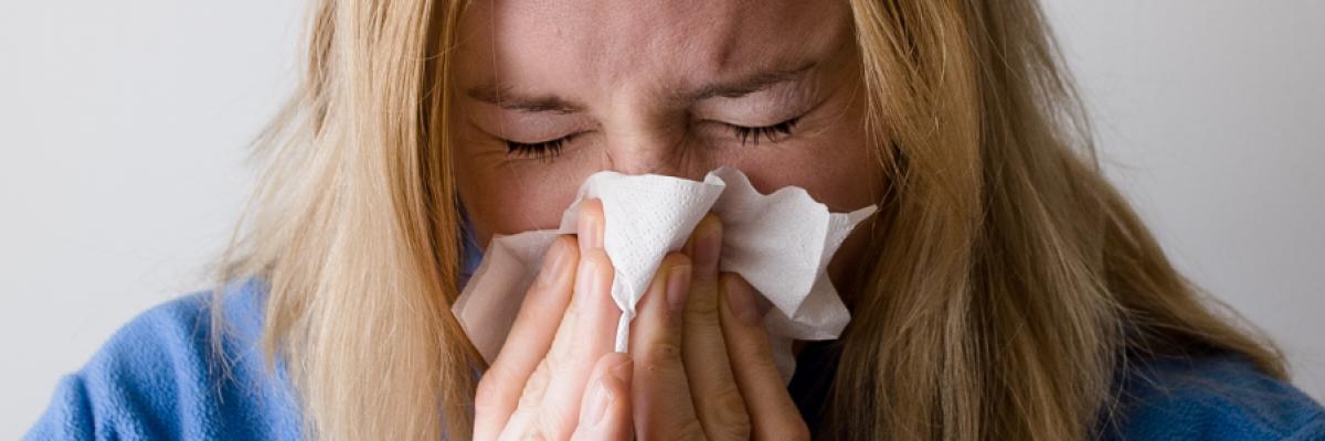 Aké príznaky sú typické pre chrípku?